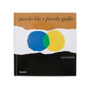 Libri e activity book in tessuto